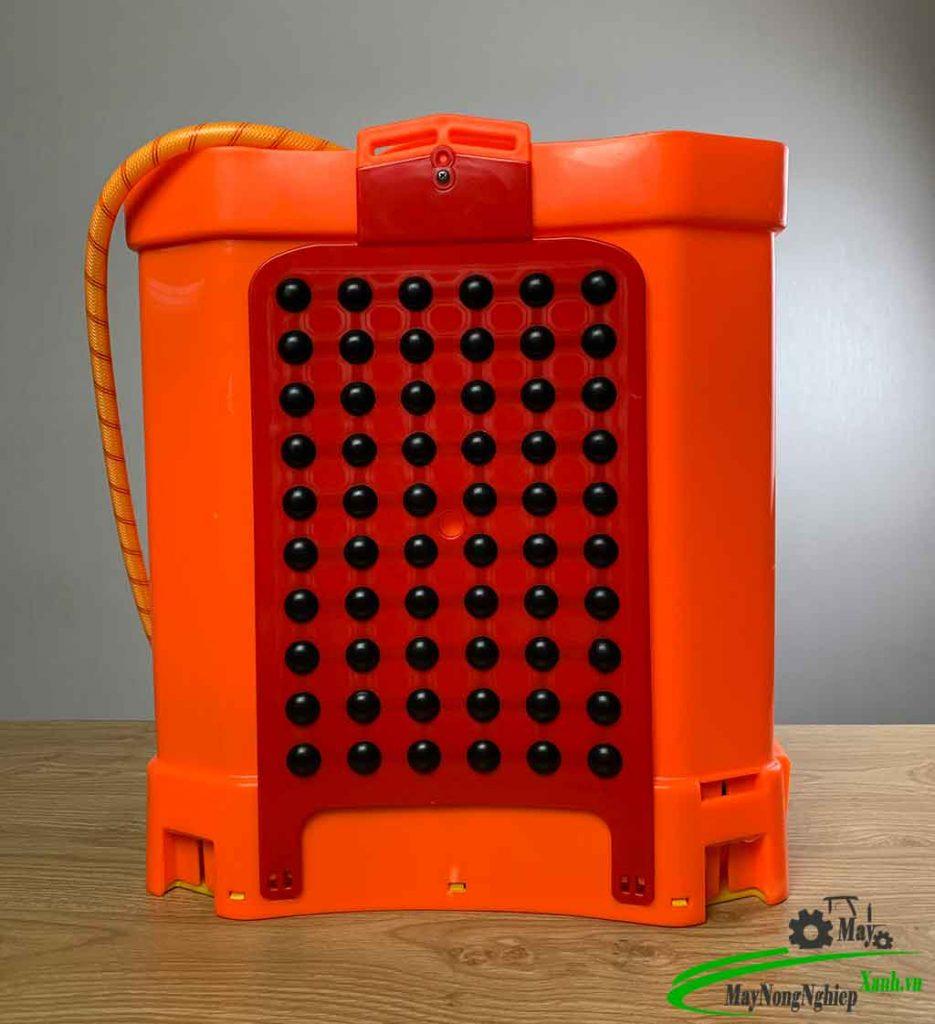 binh xit dien phun thuoc sau kinami pin lithium 20 lit 2 935x1024 - Bình xịt điện phun thuốc sâu Kinami Pin Lithium 20 Lít