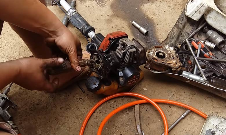 cac cach chinh xang gio may cat co ban can biet 2 - Các cách chỉnh xăng gió máy cắt cỏ bạn cần biết