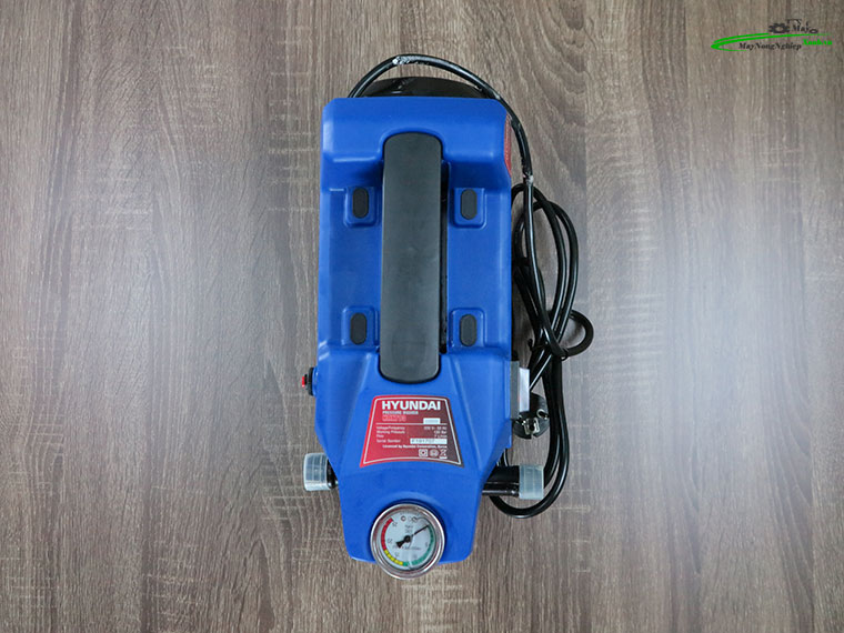 Máy xịt rửa Hyundai HRX713 áp lực 110 Bar Chính Hãng 5 - Máy xịt rửa Hyundai HRX713 áp lực 110 Bar Chính Hãng