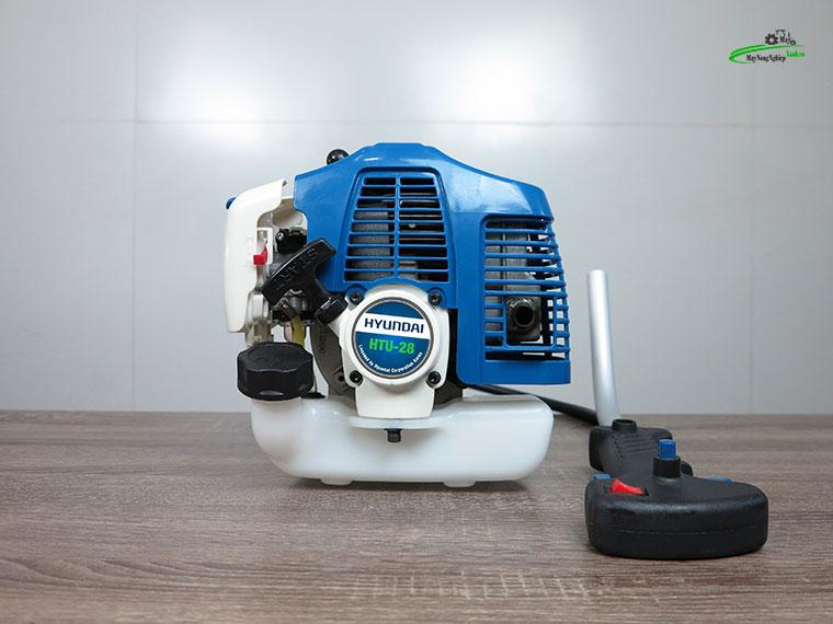 may cat co huyndai htu 28 1 - Máy cắt cỏ Hyundai HTU-28 Nòng 34 0.9HP Chính Hãng (Chế Walbro)