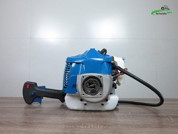 may cat co huyndai htu 28 2 - Máy cắt cỏ Hyundai HTU-28 Nòng 34 0.9HP Chính Hãng (Chế Walbro)