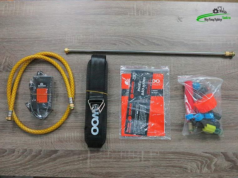 Binh xit dien daewoo 20 lit pin Lithium DAES s3b LT vang 2 - Bình xịt điện Daewoo 20 lít DAES-S3B-LT Pin Lithium 8AH-12V Màu Vàng