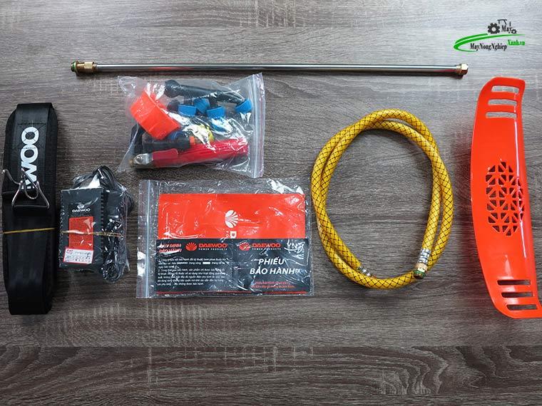 Binh xit dien daewoo 20 lit pin Lithium DAES s3a LT cam 3 - Bình xịt điện Daewoo 20 lít DAES-S3A-LT Pin Lithium 8AH-12V Màu Cam