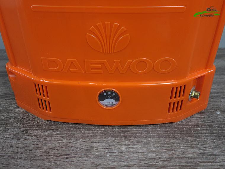Binh xit dien daewoo 20 lit DAES s7a cam 14ah 12v 4 - Bình xịt điện Daewoo 20 lít DAES-S7A Màu Cam 14AH-12V Chính Hãng