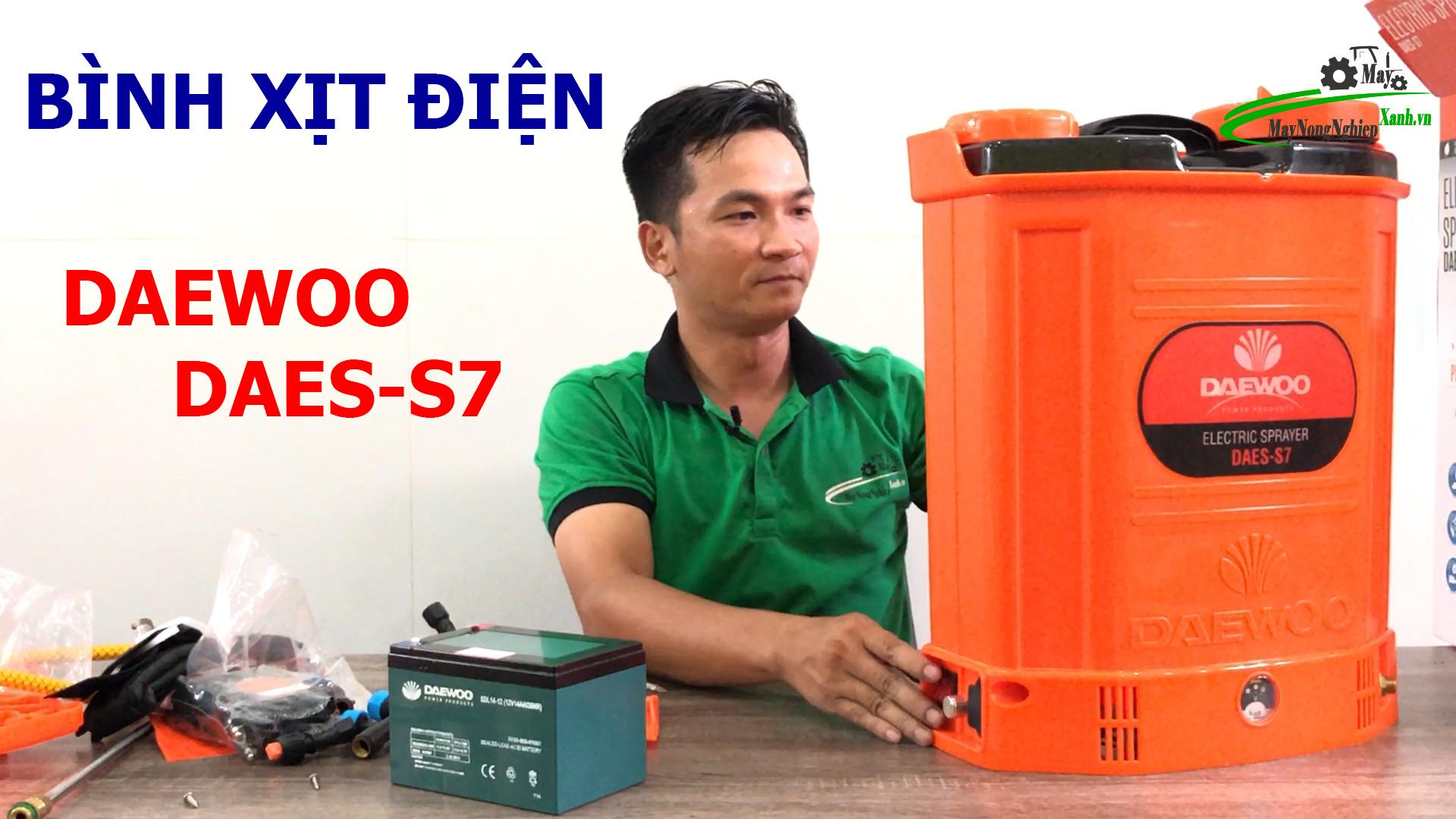 huong dan su dung binh xit dien phun thuoc sau - Hướng dẫn sử dụng bình xịt điện phun thuốc sâu và 5 lưu ý tăng tuổi thọ