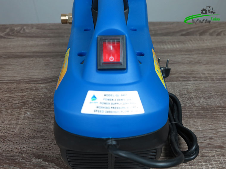 may xit rua xe mini Omais ql980t chinh ap mau xanh 6 - Máy xịt rửa xe mini OMAIS QL 980T Chỉnh áp màu Xanh