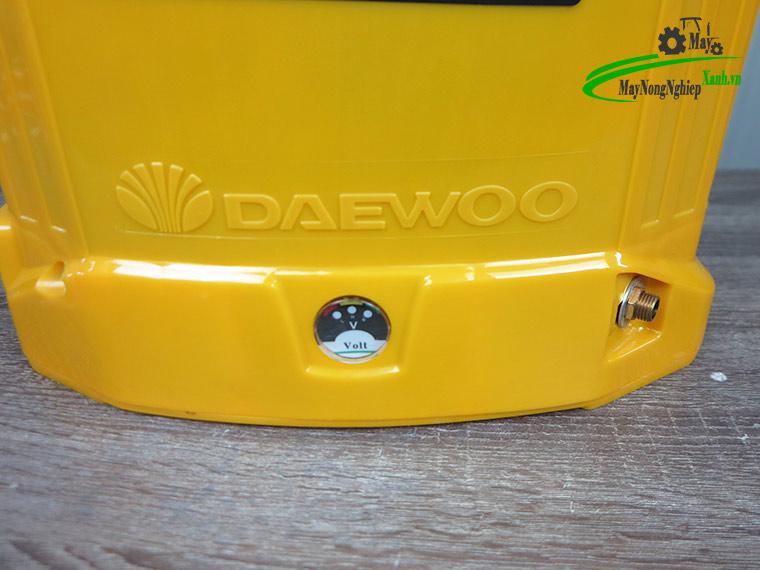 binh xit dien daewoo s4 lt 6 - Bình xịt điện Daewoo 20 lít DAES-S4B-LT Pin Lithium 12AH-12V Màu Vàng