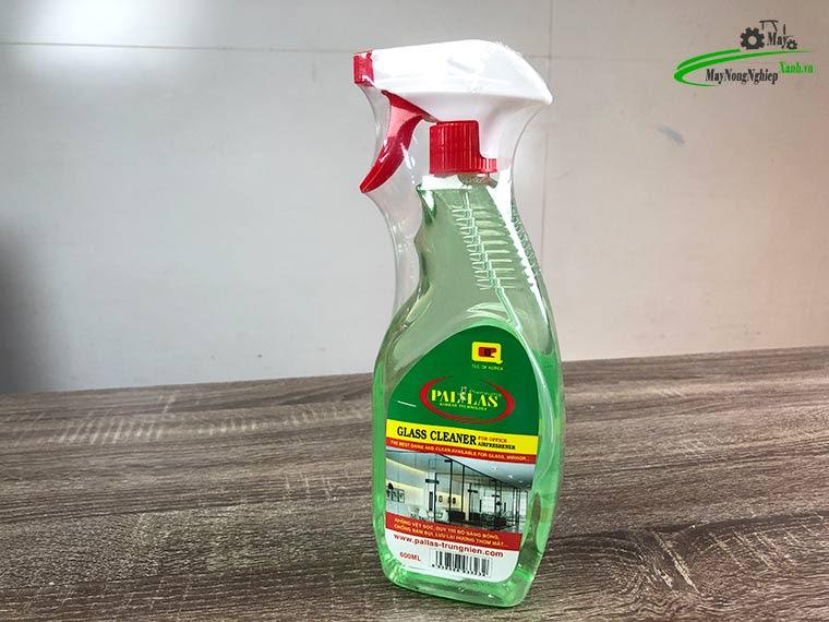nuoc lau kinh da nangpallas 600ml 1 - Nước rửa kính ô tô Pallas 600 ml Chai Xịt Tiện Lợi.