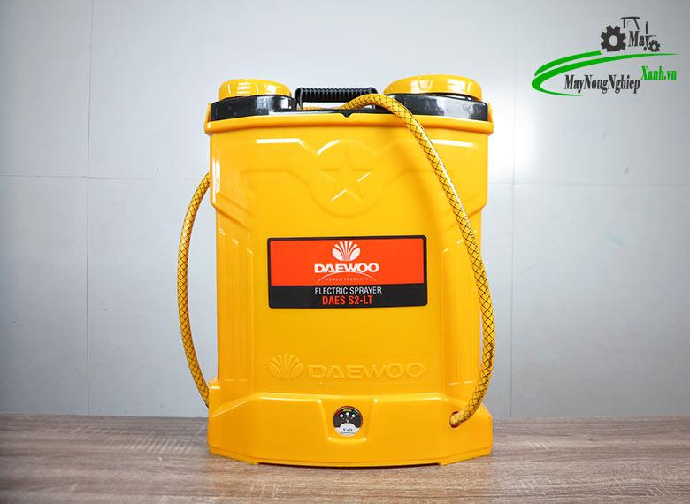 binh xit dien pin lithium daewoo daes s2b lt 8ah vang 1 - Bình xịt điện Pin Lithium Daewoo 16 lít DAES-S2B-LT 8AH-12V Vàng