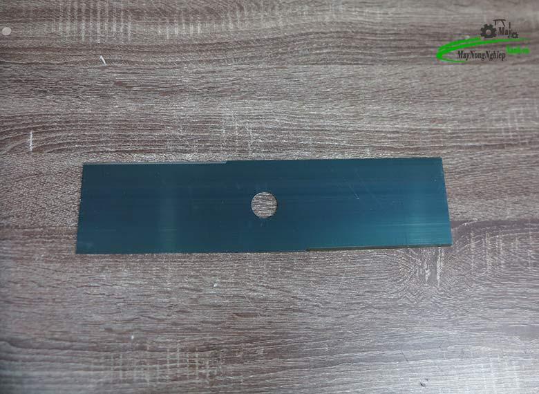 luoi cat co vuong hyundai 3.5 tac day 2 mm 2 - Lưỡi cắt cỏ vuông 355mmx2mmx2T Hyundai (dài 3.5 tấc dày 2 ly )